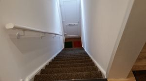 Apartment / Flat To Let in Windmill Road, Croydon